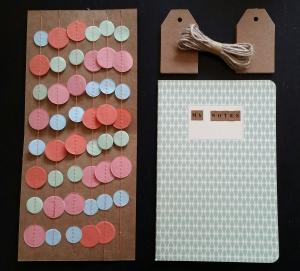 Stationary van Dille en Kamille: papieren slinger, cadeaulabels en notitieboek voorzien van letterstickers